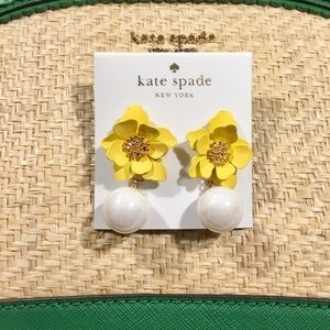 🛍Adorable Kate Spade into the bloom earrings